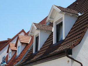 L'été est propice pour réaliser des travaux d'isolation de sa toiture.