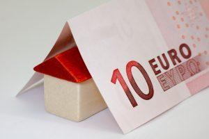 Aides à la rénovation énergétique et isolation de combles à 1€.