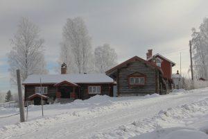 Combiner chauffage bois et isolation pour passer l'hiver au chaud